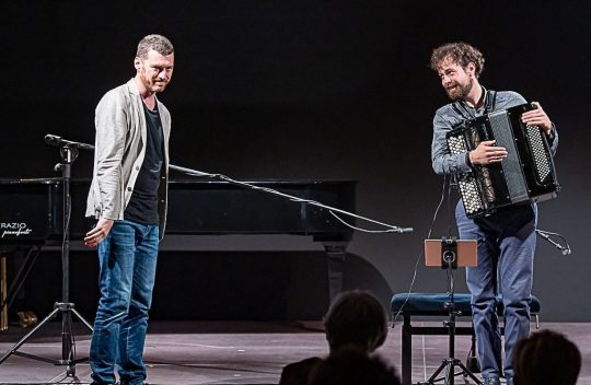 samuele telari together with vittorio montalti divertimento ensemble premiere five screens