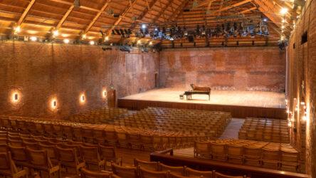 Immagine della concert hall di snape maltings, in cui samuele telari ha eseguito le goldberg variations